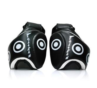 Тренерская защита ног (набедренные щитки) Fairtex TP-3 black